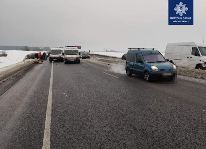 Загинули двоє людей: ДТП за участю 5 авто сталося на Броварщині - Скибин, Залісся, Броварський район, Аварія - FB IMG 1614067026014