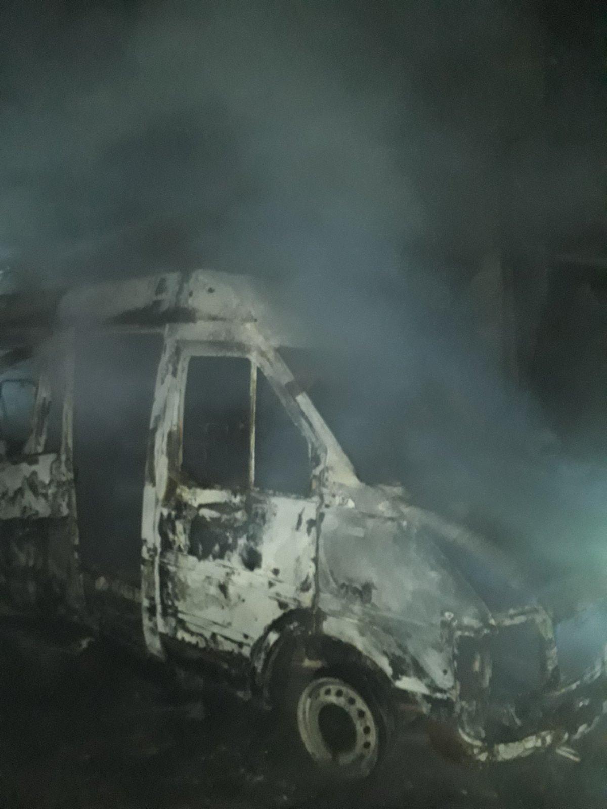 Під Києвом у Горенці горів мікроавтобус - Пожежа авто, київщина, ірпінські рятувальники, Гостомельська ОТГ, Горенка - Gor avto