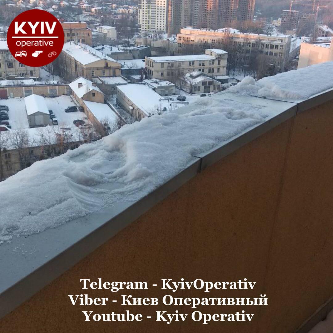 Трагедія у Києві: 13-річна дівчинка випала з 17-го поверху - трагедія, суїцид, самогубство, Падіння з вікна, дівчинка - IMG 20210202 183342 438