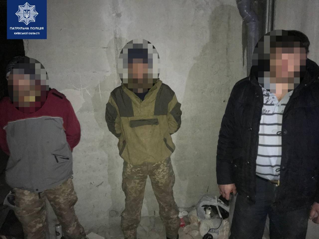 У Чайках затримали трьох крадіїв - с. Чайки, крадіжка, Бучанський район - IMG 20210222 175422 106