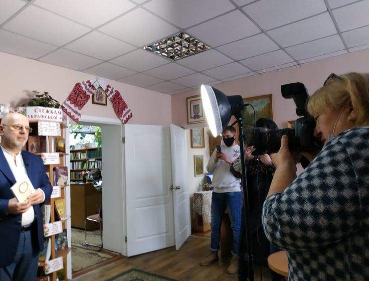 Розпочався флешмоб «Київщина читає Лесю Українку» - флешмоб, Леся Українка, Культура, київщина, ВІКЗ - LYTOV KATAMADZE CHYTAYE