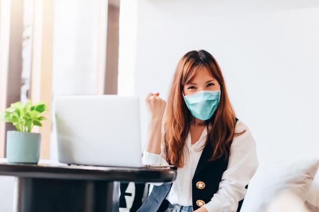 Вперше за 2 місяці у Китаї не зафіксовано випадків COVID-19 - коронавірус, Китай, захворюваність, COVID-19 - asian business woman success emotion working at home concept 29393 464