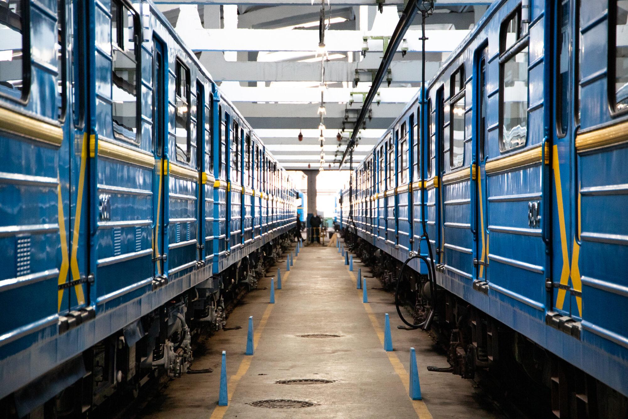 Київський метрополітен відремонтував 5 вагонів за 35 млн грн - Ремонт, метрополітен, вагони - imgbig 2 1 2000x1334