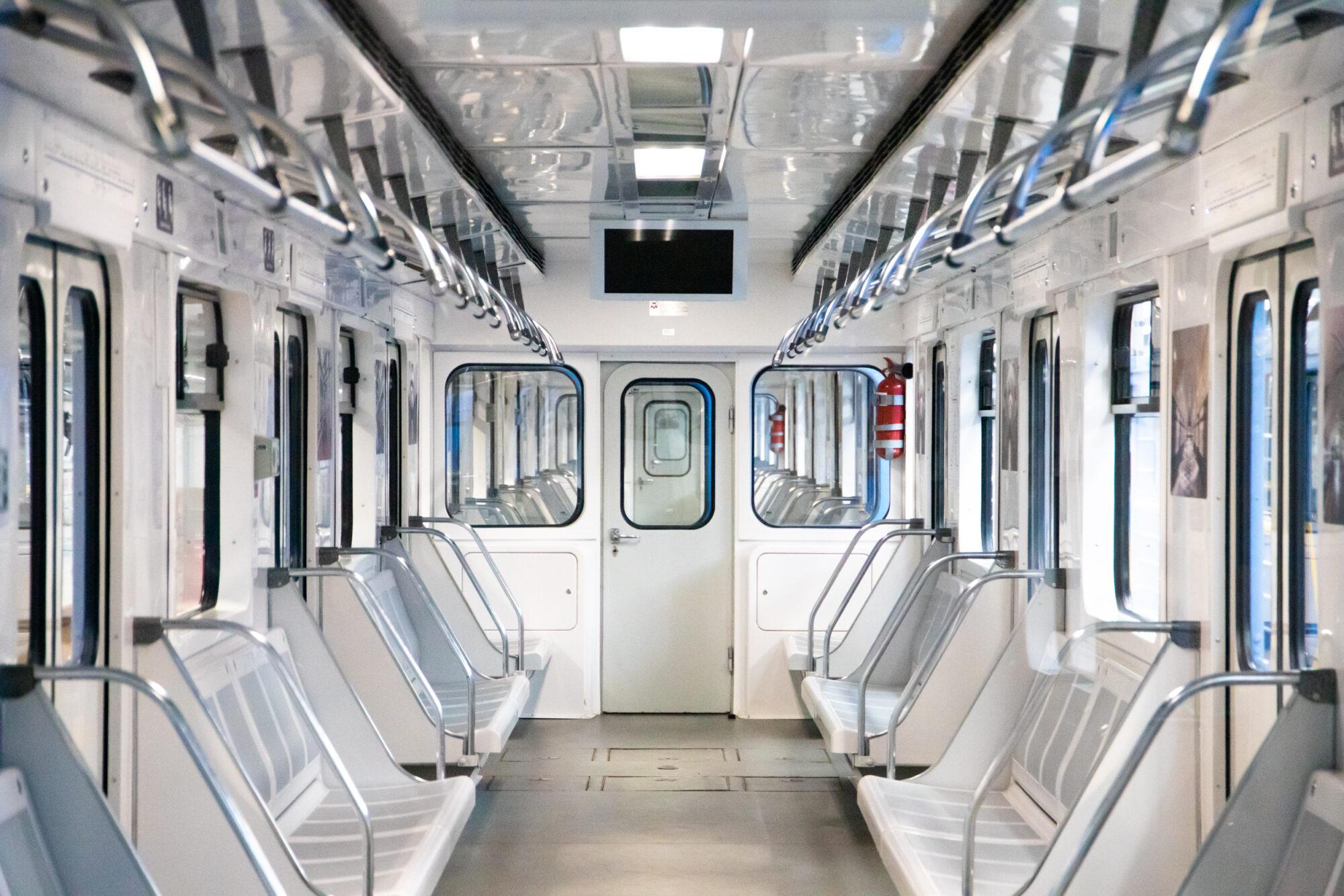 Київський метрополітен відремонтував 5 вагонів за 35 млн грн - Ремонт, метрополітен, вагони - imgbig 5 1 2000x1334