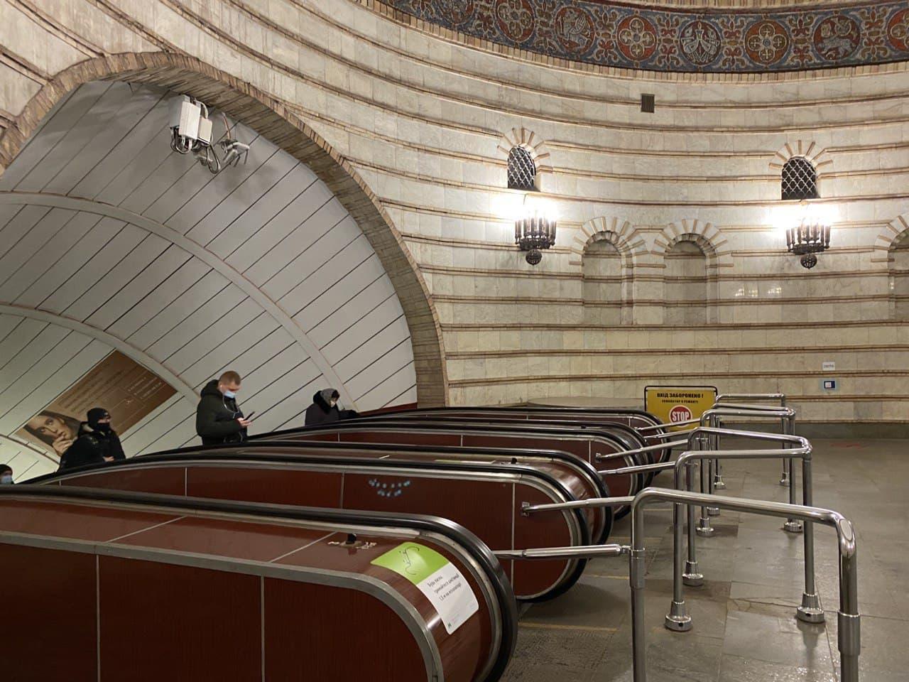 На станції метро «Лук'янівська» ремонтуватимуть ескалатори - ремонтні роботи, метрополітен - imgbig 8