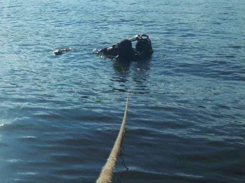 Київ: тіло чоловіка дістали з річки на «Вокзальній» - тіло, Річка, Либідь - photo 2021 02 01 17 19 51