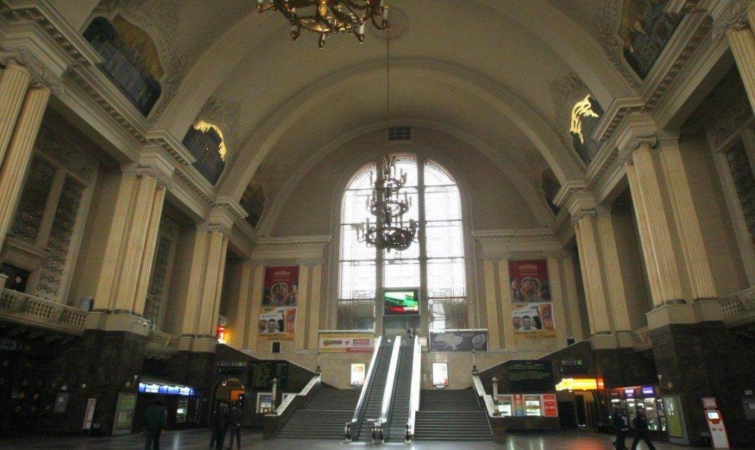 Псевдомінер повідомив, що підірве столичний залізничний вокзал - замінування, вокзал, вибухівка - picture2 na centralnom zhd 358001 p0