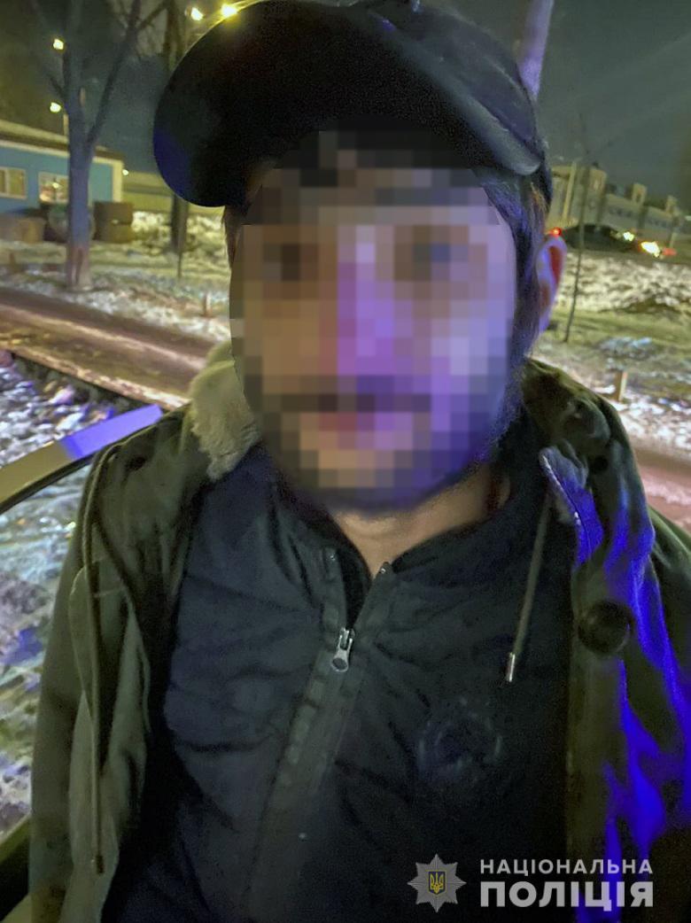 У Києві сталося майже 90 крадіжок за добу - погрози, пограбування, нападник, крадіжки, зібрання - podol100221