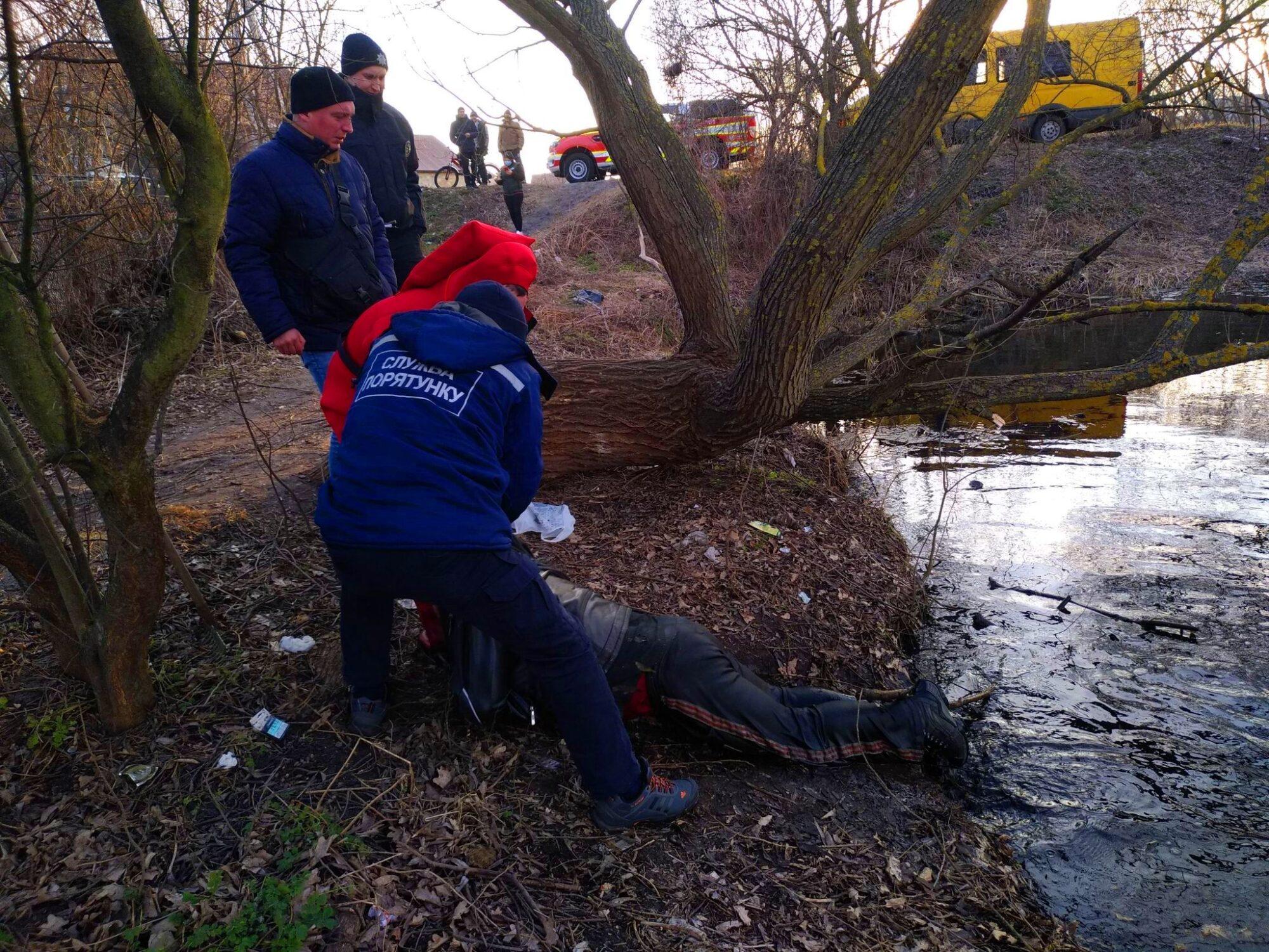 В одному із озер у Бучансьвому районі знайшли тіло потопельника - тіло, потопельник, озеро, Микуличі, Бучанський район - 163565189 190630335908381 483234163251924094 n 2000x1500