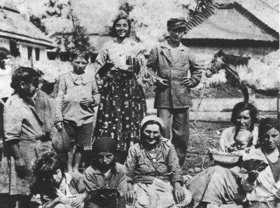 Броніслава Вайс - Папуша, документальна світлина в ромській громаді, 1930 рік