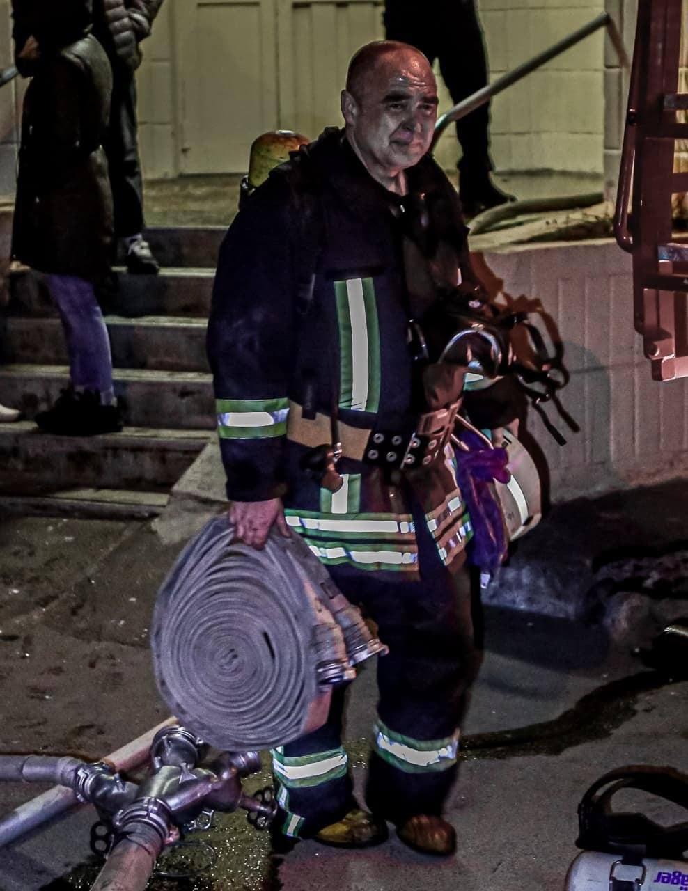 Врятували трьох людей: нічна пожежа в Києві - пожежа - IMG 20210329 085935 792